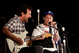 Eddie Vedder And Zach Galifianakis Rock Malibu Fundraiser For EBMRF And Heal EB